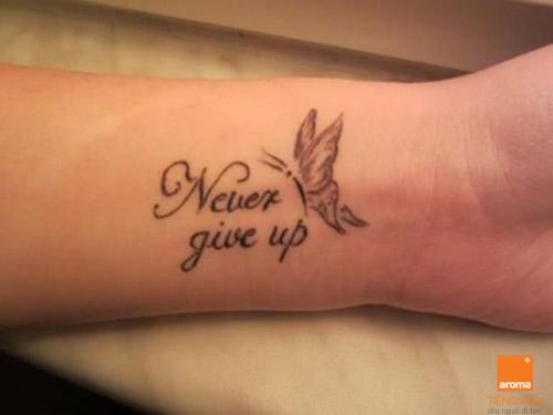 Lua chon 10 hinh xam tieng anh y nghia never give up
